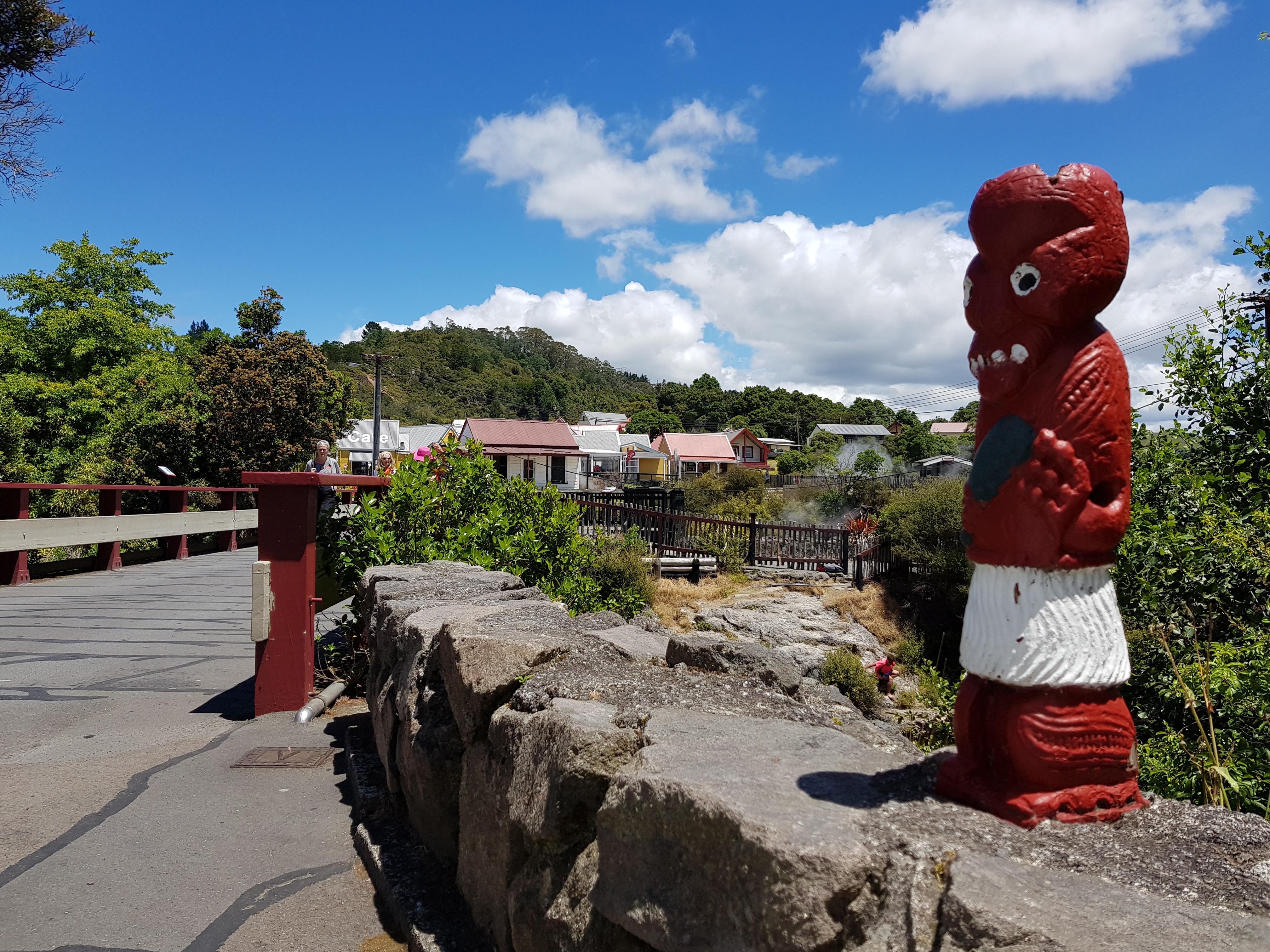 Tekoteko in Whakarewarewa Village